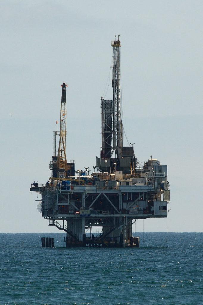 oil-drilling-platform-10811278443936MlFo